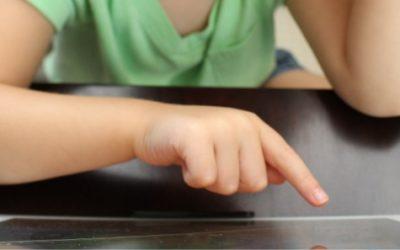 子どもがリピート再生!英語が学べるYouTube動画、厳選4チャンネル